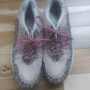 Qupid Sneakers